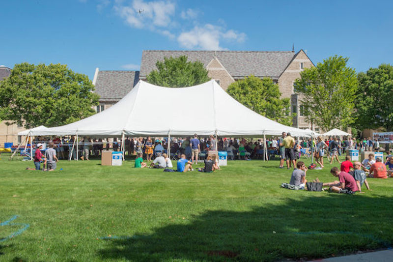 Let your group experience the beautiful surroundings of the University of Notre Dame from an outdoor tent. & Tents // Venues // Venue ND // University of Notre Dame